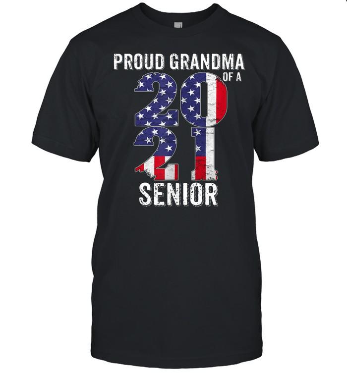 Proud Grandma of a 2021 Graduate American flag  Classic Men's T-shirt