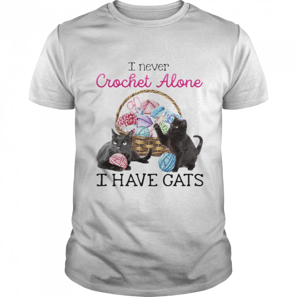 I Never Crochet Alone I Have Cats T-shirt Classic Men's T-shirt