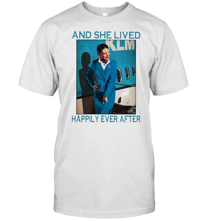 And she lived happily ever after flight attendant shirt Classic Men's T-shirt