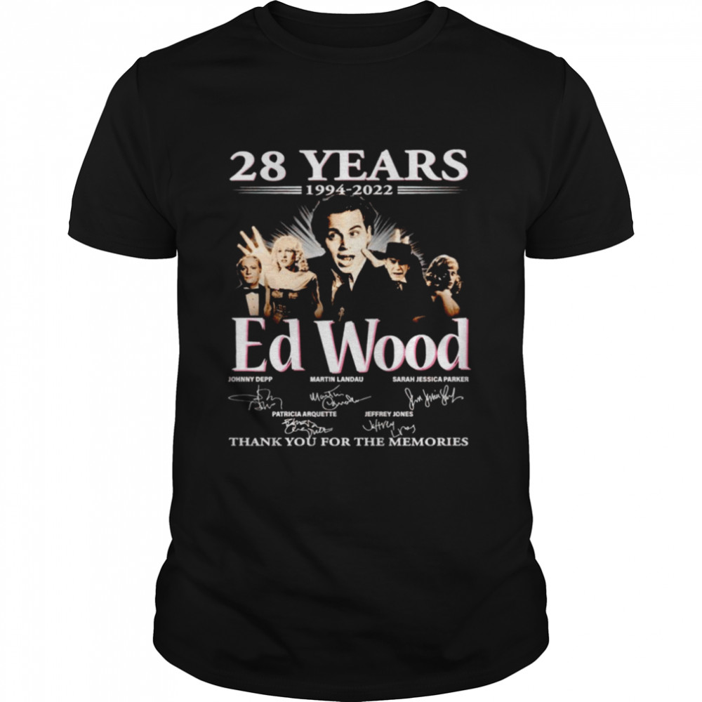 28 years 1994 2022 Ed Wood signatures thank you for the memories shirt Classic Men's T-shirt